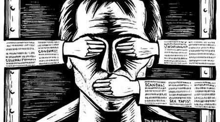 alternative-vs-mainstream-media-450x250