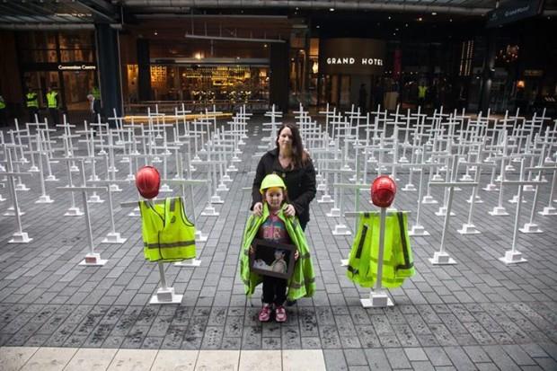 H&S protest 291 crosses