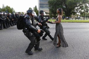 america-cops-armour