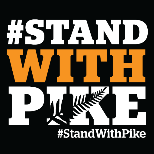 stand-with-pike